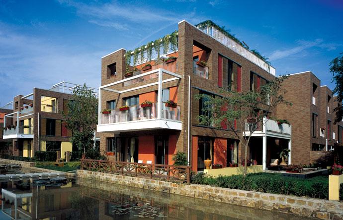 德国帅老公自建三层花园别墅:保暖效果胜过暖气